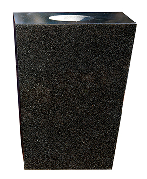 Interglo-tapered-vase-black-thumbnail.jpg
